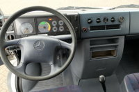 Mercedes-Benz 815 D Vario 4x2