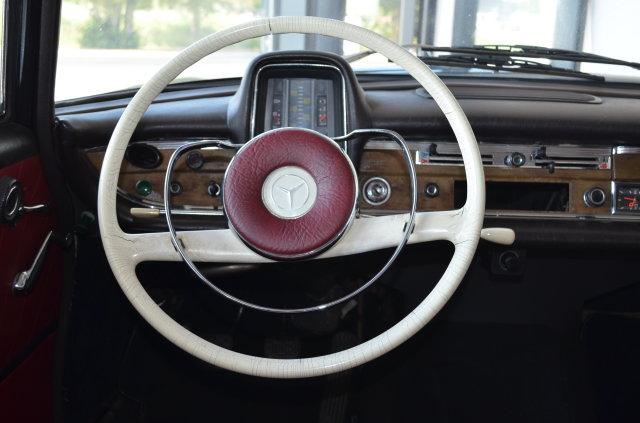 Mercedes-Benz 111